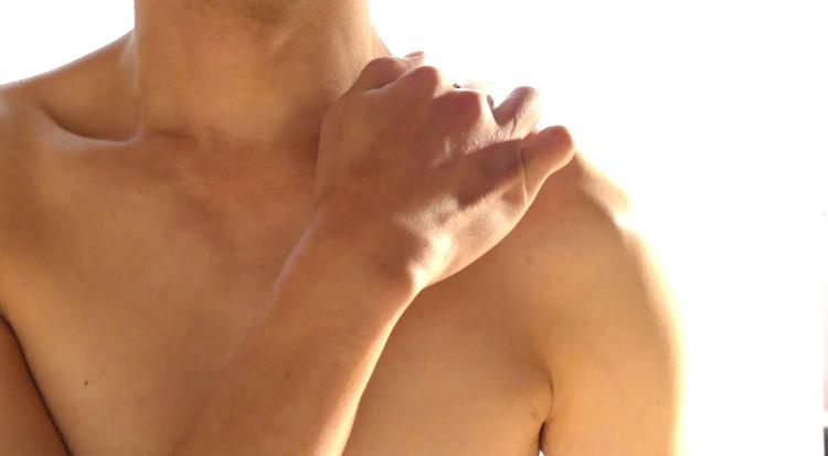 肩こりの原因とツボ