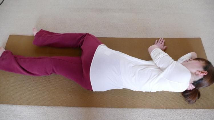 腰のツボの圧し方