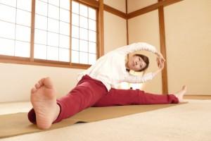 側屈の股関節ストレッチ