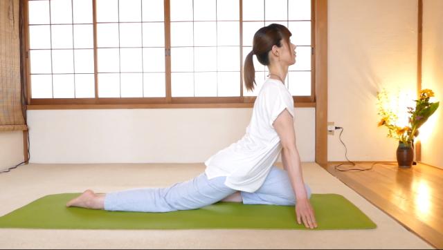 股関節の筋肉痛のストレッチ