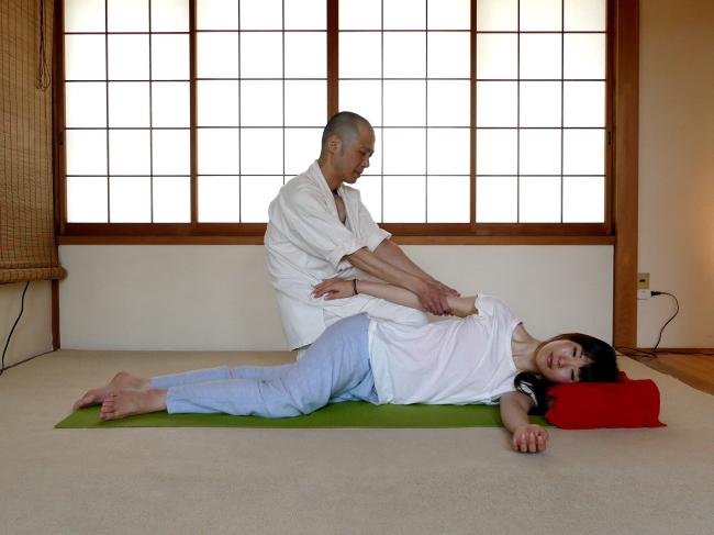 肩こりや肩の痛みへの基本の手技