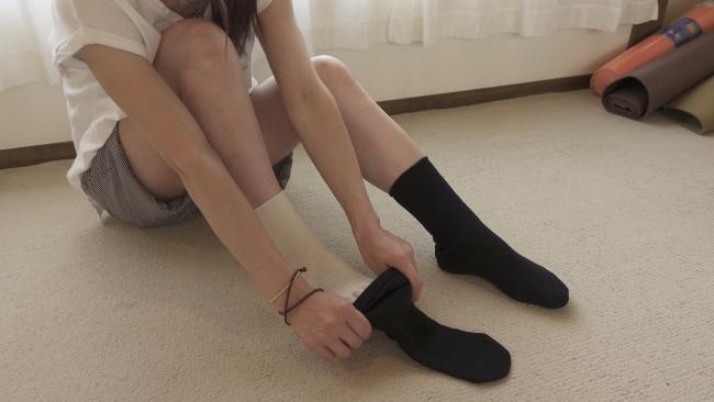 シルクの靴下重ね履き