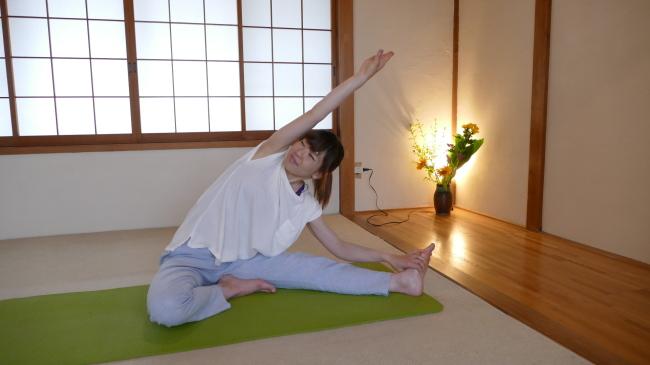 側屈する腰のストレッチ完成
